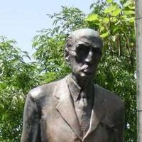 Károlyi-szobor: minden eszközzel