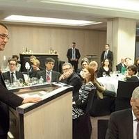 Sikorski: Megértem, hogy Moszkva fél, hiszen sikeres Ukrajnát akarunk