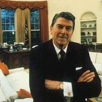 Szobrot kap Reagan Budapesten