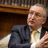 Gellér Balázs: Süllyed az ügyvédi szakma színvonala