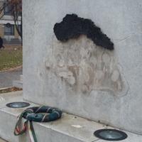 Darabjaira hullt a Nagy-Magyarország-emlékmű – Gányország VIII.
