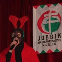 A Mikulás, a Magyar Gárda meg a szopóálarc