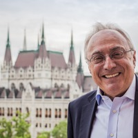 """Soha nem adtam üzleti tanácsot Orbánnak – Orbán """"svájci bankára"""" a Mandinernek"""