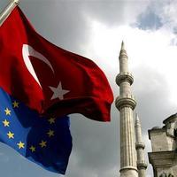 A törökmézes madzag - Martonyi, Tóta W. és a Jobbik közös nevezője