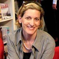 Gyurcsány miatt bosszankodik Anne Applebaum