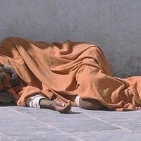 Konzultálni hajléktalanokról