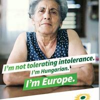 Euro-toleráns magyar nénikkel támadnak a Zöldek