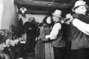 Magyar folktörténet: a magyaroschtól a spontán folkkocsmáig