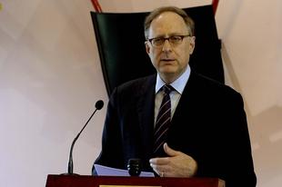 NATO-főtitkárhelyettes: Veszélyben az euroatlanti béke