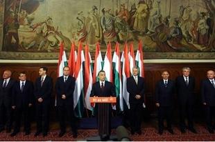 Fidesz: Középen maradnak?