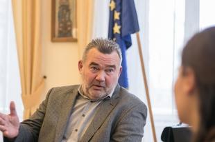 Ombudsman a Mandiner.jognak: Alaptörvénybe ütközhet a migránskvóta