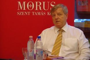 Stumpf István: Trónt fosztottak a fülkeforradalom huszárjai