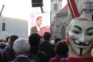 Orbáni követelések a Milla tüntetésén