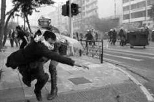 Budapesten szervezkedik a görög anarchista
