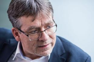 """""""Nem diktatúra, de sajnos egypártrendszer"""" – Hörcher Ferenc a Mandinernek"""