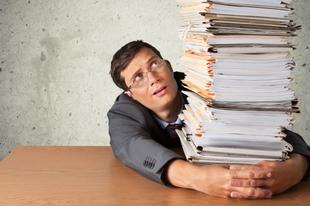 Tanfelügyelet: az ingyen túlórázás és értelmetlen bürokrácia netovábbja