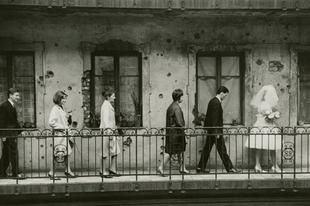 Magyar fotográfiák a brit kultúrszentélyben