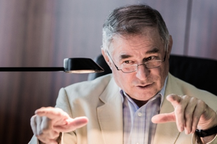 Nem lett fideszes az Alkotmánybíróság – Lenkovics Barnabás a Mandinernek