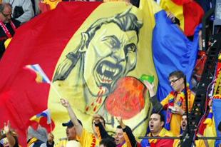 Hogy mondják a politikai korrektséget románul?
