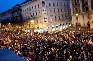 Milyen egymillió? – Tüntetésmatek II.