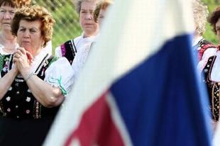 """""""Anyanyelvünk magyar, nemzetiségünk szlovák″"""