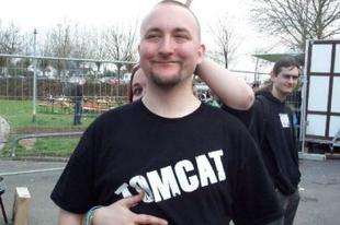 Tomcat feljelentette a Reakciót