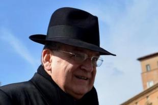 """Ferenc pápa és a """"kirúgott"""" bíboros: egy hír anatómiája"""