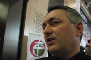 Gaudi óva int minket a fideszbérenc újságírástól - Mandiner TV