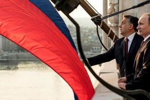 Hova és miért utazik Putyin?