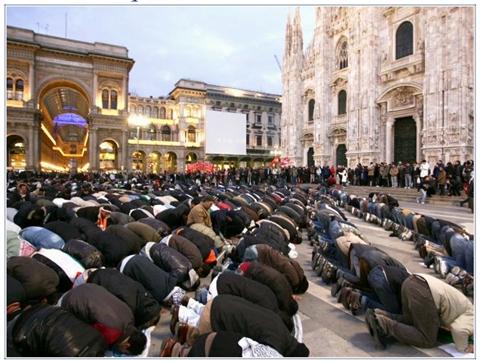 a milánói Dómnál