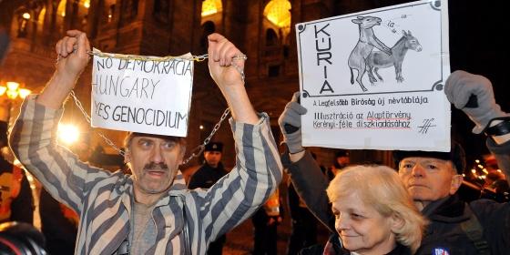 NO demokrácia, YES genocídium
