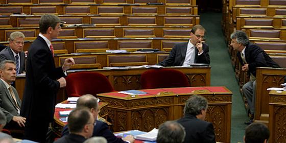 Semjen_Gyurcsany_Parlament.png