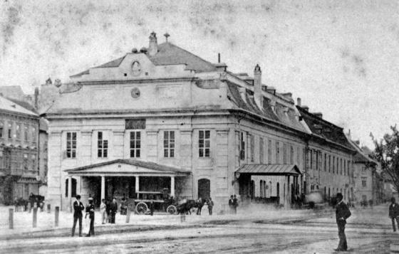 Szlovákia, Pozsony, az 1776-ban megnyitott első városi színház (1900)