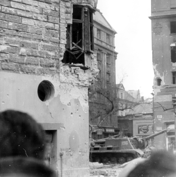 1956_jozsefvaros_corvin_koz_tank.png