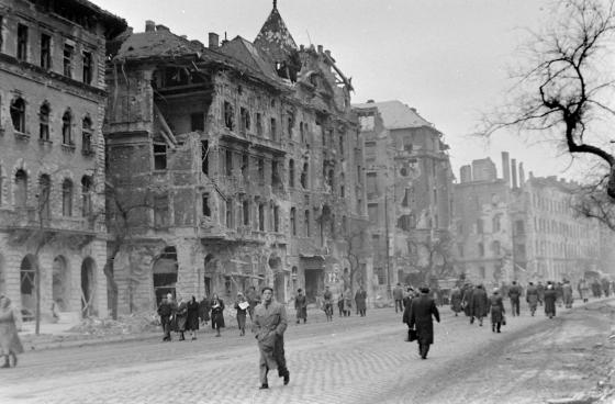 1956_jozsefvaros_jozsef_korut_romok.png