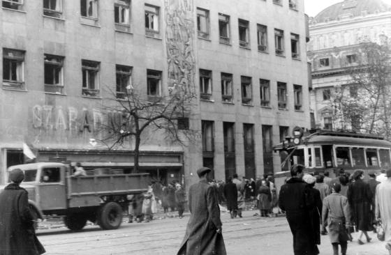 1956_jozsefvaros_jozsef_korut_szabad_nep_szekhaz.png