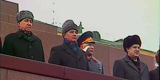 szovjet_katonai_parade_moszkvaban_560.png