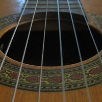 Egy Fx box gitártorzító egy brummogó Cremona gitár és én