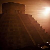 Maja piramis 8 273 kiló csokiból