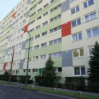 A lakótelepi homlokzatok diszkrét bája