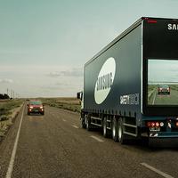"""Baleset-megelőzés """"átlátszó"""" kamionokkal"""