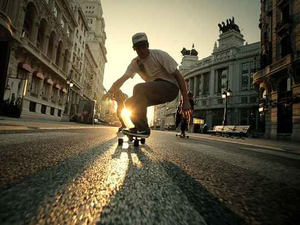 Surfing the city - Madrid Longboard