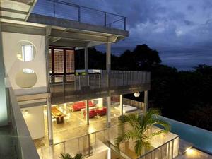 beton...dzsungel...beton...dzsu... - Casa Torcida, Costa Rica
