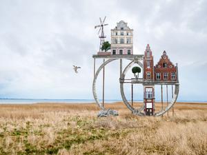 Furcsa épületkollázsok egy szürreális fantáziavilágból