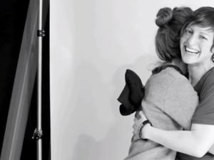 Kölcsönhatások - First Gay Hug | A Homophobic Experiment
