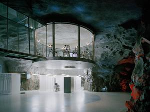 Szerverek egy atombunkerben, 30 méterrel Stockholm alatt...