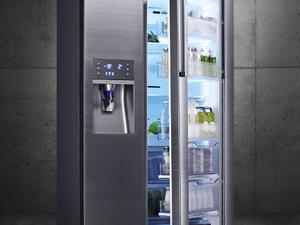Vele pofonegyszerűvé válik az éjszakai dézsmálás is - Food Showcase frigó a Samsungtól [X]