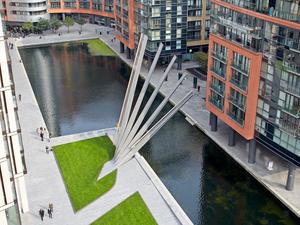 Legyező-híd az egyik új londoni látványosság