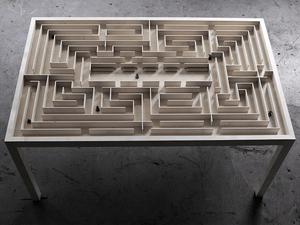 Dohányzóasztal, ami labirintus