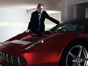 Ajándék V8-as dög Eric Clapton istállójába a Ferrari-tól!